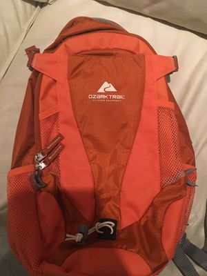 Ozark Trail Hydration Travel/Sport Backpack for Sale in Lake Zurich, IL