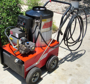 Hot Pressure Washer Hotsy 555SS( Electric 120Volts) for Sale in Goodyear, AZ