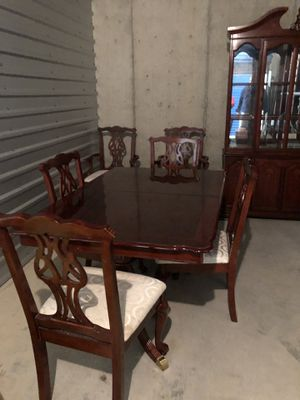 Dining room table and matching hutch for Sale in Silver Spring, MD