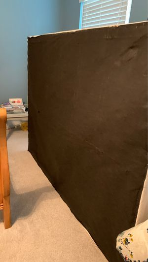 Free queen box spring for Sale in Cary, NC