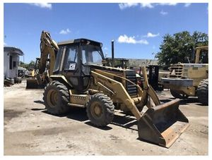 Caterpillar 416b Enclosed Cab 4x4 Backhoe Loader for Sale in Aventura, FL