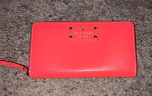 Hot Pink Kate Spade wallet for Sale in San Tan Valley, AZ