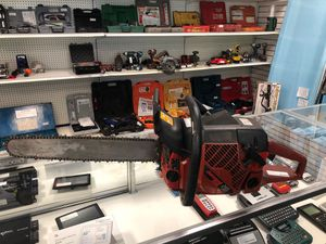 Johnson Red Chainsaw (2165 Turbo) for Sale in Bridgeport, CT