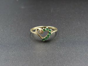 Size 6 10K Gold Green Emerald Heart Gemstone Band Ring Vintage Estate Wedding Engagement Anniversary Gift Idea Beautiful Elegant Unique Cute for Sale in Bothell, WA
