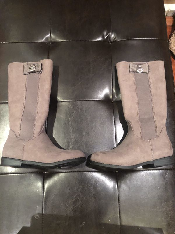 Michael kors girls boots. Size 2. New.