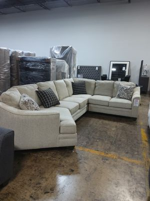 FLOOR MODEL SALE Endurance Oatmeal Sectional Sofa for Sale in Dallas, TX