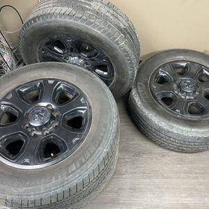 "Set of 4 wheels 20"" of my 2016 Dodge RAM 2500 for Sale in Bloomington, IL"