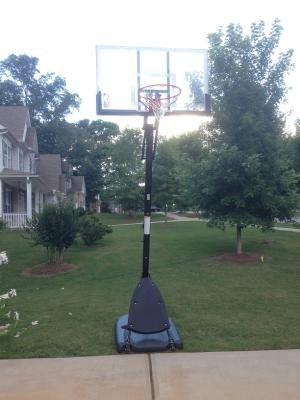 Spalding adjustable basketball hoop for Sale in Los Angeles, CA