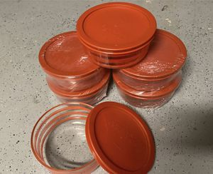Glass containers with lid with essential Pyrex design (each glass can hold 3 cups) for Sale in Diamond Bar, CA