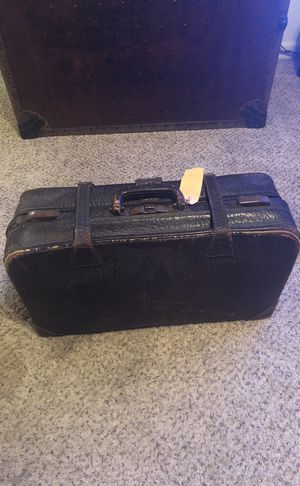Vintage cowhide leather traveling salesman case! for Sale in Cheyenne, WY