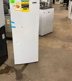 Magic chef deep freezer HMUF6WE KXLX for Sale in China Spring,  TX