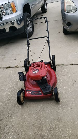 Toro self propelled lawn mower for Sale in Kissimmee, FL