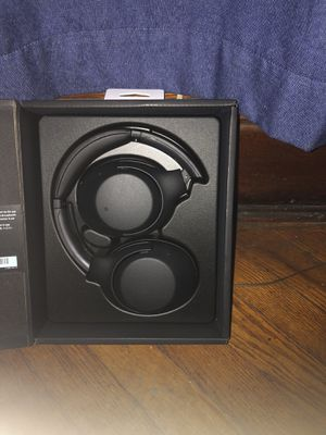 Wireless Sony headphones for Sale in Chicago, IL