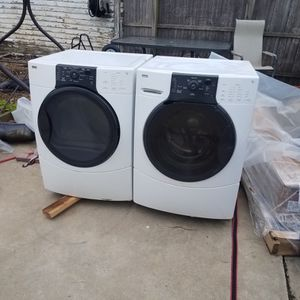 Kenmore washer and gas dryer. for Sale in Elmont, NY