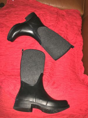 UGG Reignfall Waterproof Boots (Black/Gray) for Sale in Scottsdale, AZ