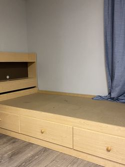"Twin Bed (L76""x W40"") and Dresser ( H38""x W19"")Set for Sale in Lake Zurich,  IL"