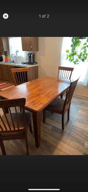 Table and chairs for Sale in Milford, OH