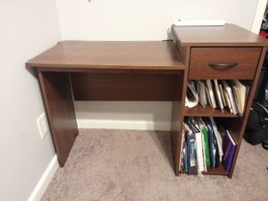 Brown desk for Sale in Rockville, MD
