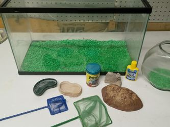 10 Gallon Fish Tank And Fish Bowl Weather Granville And Some The Acessories for Sale in Indianapolis,  IN
