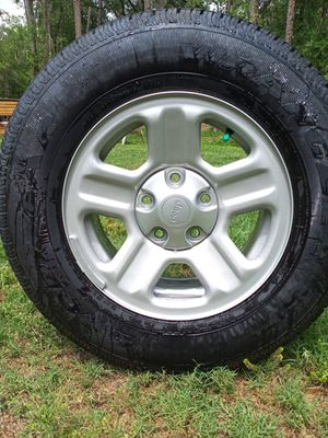 Jeep wheel tire rim p22575r16 for Sale in Dover, FL