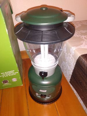 Coleman 6D rugged lantern with amplifier and FM radio for Sale in Bellflower, CA