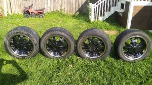 """6 lug universal Wheels 18"""" black and chrome for sale or trade for 5 lug wheels for Sale in Missouri City, TX"""