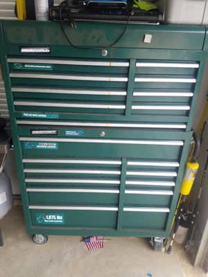 Tool box on Wheels excellent condition full of tools $499 for Sale in Newark, OH