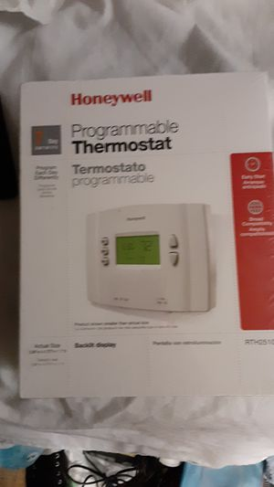 Honeywell 7 day programmable thermostat for Sale in Portland, OR