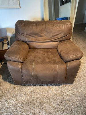Brown Recliner for Sale in West Palm Beach, FL