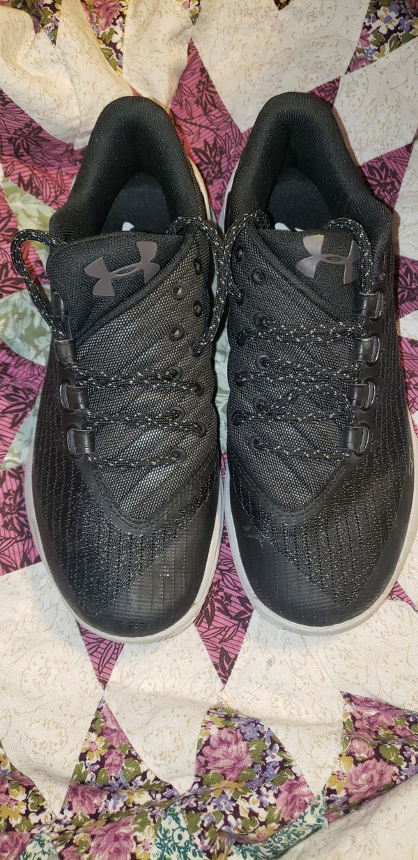 Youth under armour SC shoes