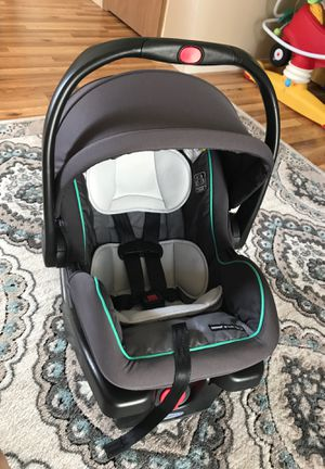 Graco click connect car seat and base for Sale in Burlington, WA
