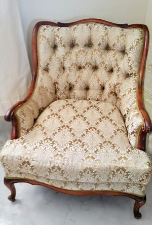 Antique Accent Chair for Sale in Hollywood, FL