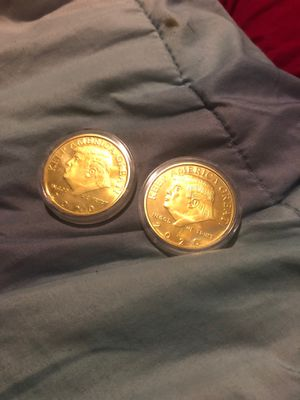 Gold trump 2020 collectors coins (best offer) for Sale in Cambridge, MA
