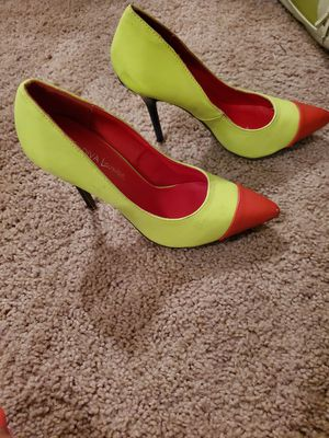 Lime green and red heels for Sale in Bellevue, TN