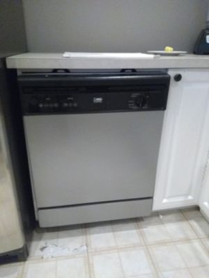 Kenmore Elite Refrigerator whirlpool dishwasher, microwave for Sale in Issaquah, WA