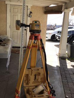 TOPCON Self leveling Lazer Comes With All Attachments Included In Excellent Working Condition for Sale in Banning,  CA