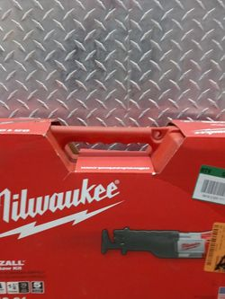 Milwaukee Sawzall Recip Saw Kit for Sale in Los Angeles,  CA
