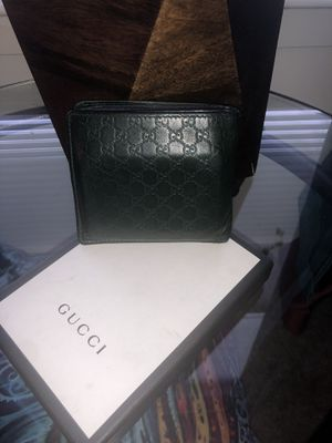 GUCCI MEN WALLET ($598) for Sale in Clifton, NJ