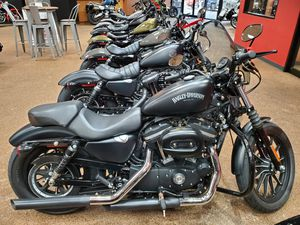 2016 Harley-Davidson Iron 883 for Sale in Bedford, TX