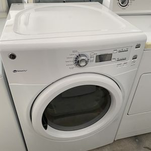 Like New Ge Electric Dryer Can Demonstrate Works Properly Sold As Is Free Curbside Delivery Only Used 3 Months for Sale in Mechanicsville, VA
