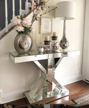 NEW MIRRORED ACCENT CONSOLE TABLE for Sale in Lake Worth, FL