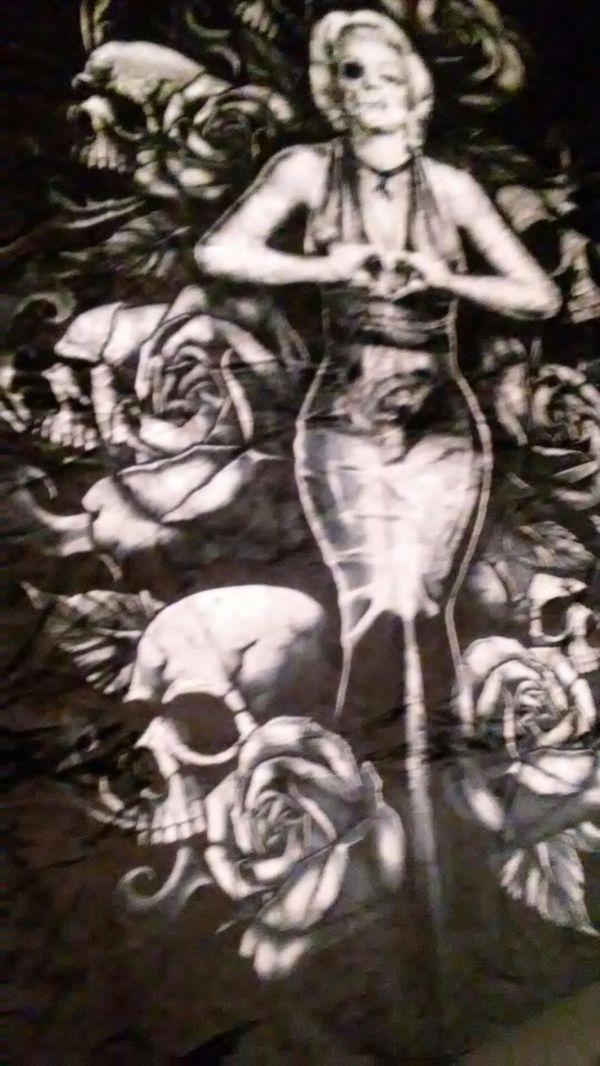 Queen Sized Marilyn Monroe Faux Fur Blanket