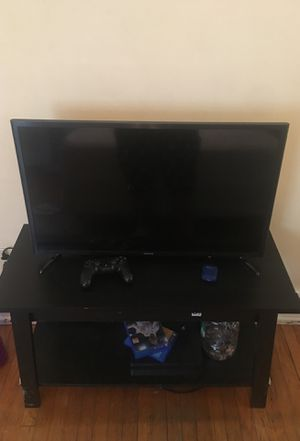 32 Inch Samsung Smart TV Excellent condition! With Remote! for Sale in Buffalo, NY