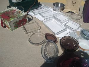 ***PYREX glass bowls and ovenware for Sale in Hesperia, CA
