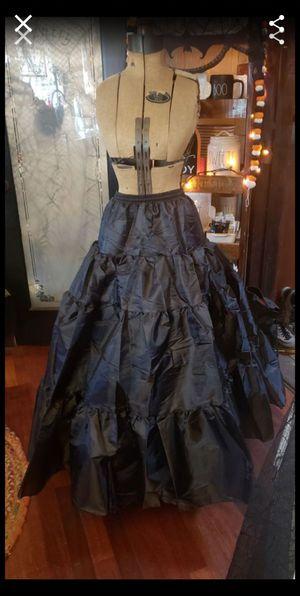 New long petticoat M/L for Sale in Whittier, CA