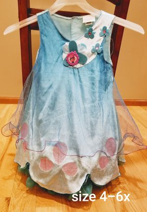 Poppy trolls size 4-6x dress Adorable Halloween costume for Sale in Renton, WA
