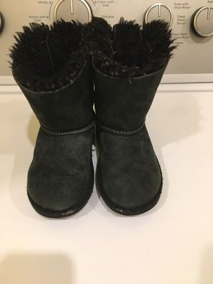 Girls ugg boots for Sale in Kennesaw, GA