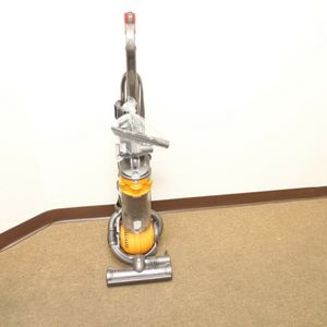Dyson Multi Floor Bagless Upright Vacuum Yellow DC29 for Sale in Davie, FL