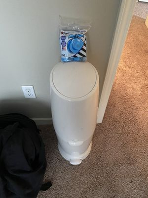 Diaper genie with bags for Sale in Baton Rouge, LA