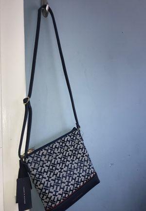 Tommy Hilfiger Adjustable Shoulder Bag for Sale in Hawthorne, CA